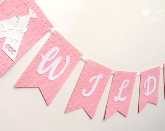 Wild One Pink Teepee banner. Pink and white with gold. Photo Prop, Birthday party garland, bunting, baby shower. Boho Tribal Wilderness.