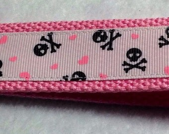 Key fob/wristlet keychain with skull and hearts with black or pink