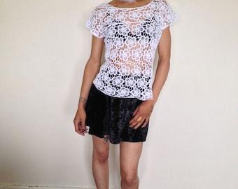 Vtg 90's DELICATE white crochet floral top M