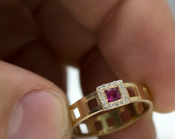 Ruby diamond ring - ruby ring vintage - diamond ruby ring - square ruby ring - Vintage Ring - Ruby engagement ring - Vintage - Halo