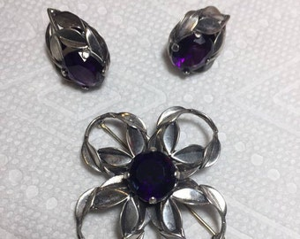 Incredibly beautiful Dark Purple Vintage Sterling Amethyst Pin and Earring post set, in excellent condition.
