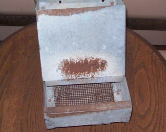 Vintage Galvanized Wall Chicken Feeder Rabbit Feeder Barn Kept Wire Bottom Rust/Galv. VG Used Condition Original Patina Feeder Planter