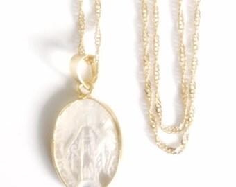 Mother of Pearl Miraculous Gold Virgin Mary Pendant Necklace Virgen de La Milagrosa Virgin Mary Pendant Virgin Mary Jewelry Catholic Gifts