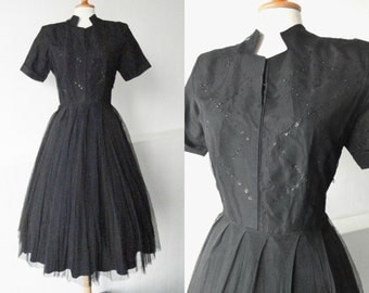 Black 40s Vintage Dress With Sequins // Taffeta And Tulle