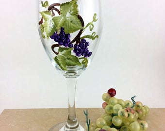 Painted Wine glasses, Wine Glasses, Grapevines, Custom Wine Glasses, Best wine gift, Wine lover gift, unique wine gift, gift for mom, Gifts