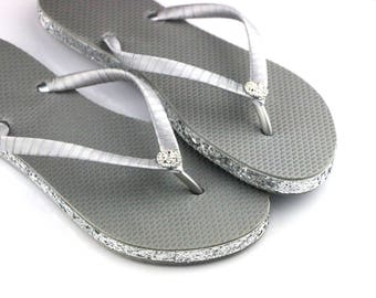 Custom WEDDING Flip Flops, BRIDESMAID Flip Flops, Bridal Flip Flops, Bridesmaid Gifts, Bridal Party Gift, Beach Weddings,Christmas gift