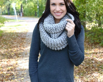 The Kitling Chunky Winter Cowl ∙ Scarf ∙ Grey Marble Color