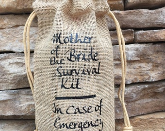 wine bag, burlap wine bag, mother of the bride, brides mother gift, wedding gift wine tote