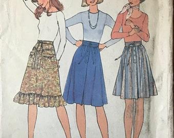 Simplicity 7400 - 1970s Knee Length Skirt with Basque Yoke or Shaped Waistband - Size 14 Waist 28