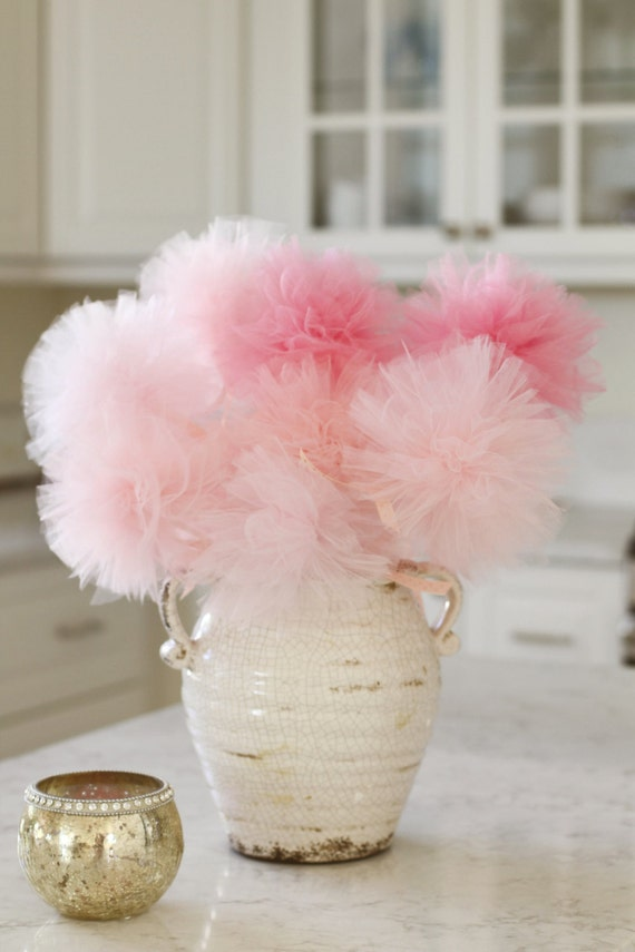Baby shower centerpiece pink ombre baby shower decorations for Baby shower tulle decoration ideas