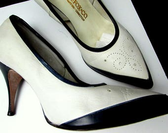 50s blue + white punched tops leather vintage stiletto pumps heels pointy toe shoes | two tone mademoiselle g fox | unique unusual