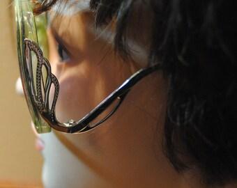 A. J. Morgan Jade Green Framed Sun Glasses