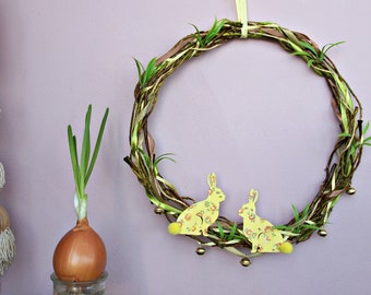 Easter bunny wreath rustic Easter door wreath yellow Easter decorations farmhouse Easter decor decoupage Easter rabbit Spring outdoor decor