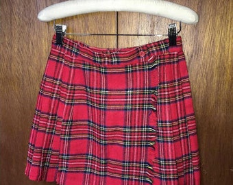 Vintage Red Checkered Plaid Mini Skirt (Size Small 24-26 Inch Waist)