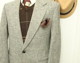 Vintage Classic Grey Herringbone Tweed Wool Sport Coat / Mens Silver Grey Vtg Blazer / Suit Jacket / Size 36 / Small / S