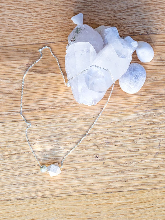 Gemstone Diffuser Necklace & Oil Blend Combo (Silver)