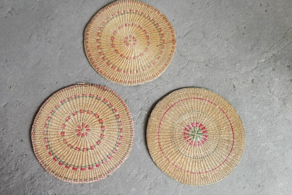 Heat Resistant Mat For Dining Table ... - Vintage Tight Weaved Natural Rattan Rounds, Mat Diameter 15 3/4