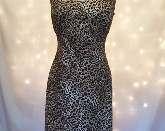 Sexy Vintage Sheath Dress - Animal Print Retro Cocktail Dress - Bodycon Stretch Dress Size 6