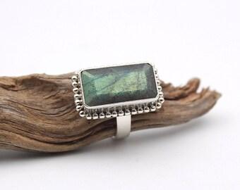 Green Labradorite - Ring S. US 8 - Sterling Silver 925 - Boho Vibrant Green Labradorite - Protection