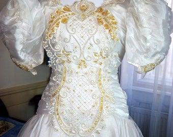 Austrian Vintage Royal-Inspired Wedding Dress, 1980s Sweetheart Design Wedding Gown, White Bridal Dress, Princess Wedding: Size 4 US, 8 UK