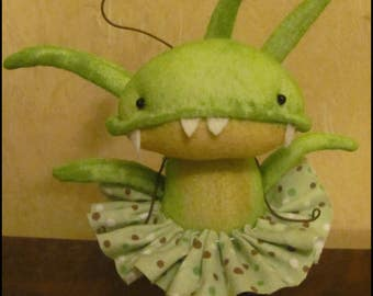 Anthropomorphic Doll Venus Fly Trap spring Whimsical summer cottage chic shabby decor kitchen primitive creepy cute countryFarm Quirky
