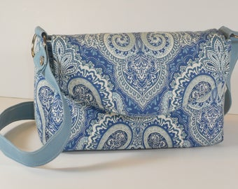 Purse Shoulder Bag Envelope-Style Flap Medium-Sized Bag Blue and White Paisley Pockets