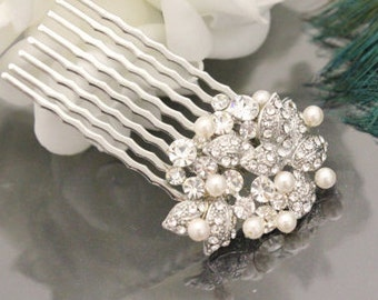 Pearl hair comb,Wedding hair jewelry,Small crystal bridal comb,Bridesmaid Hair piece,Flower girl hair clip,Wedding head piece Rhinestone