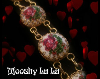 Vintage Petit Point link Bracelet, 40's/50's Tiny Needlepoint Roses, Handmade  Tapestry Stitched Embroidery