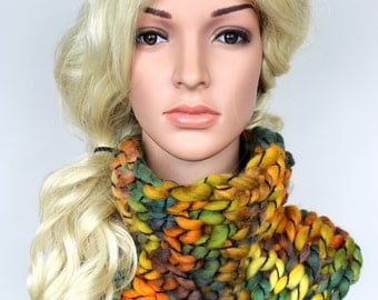 Chunky Knit Scarf Knit Infinity Scarf Knit Cowl Scarf Womens Winter Scarves Fashion Scarves for Women Chunky Cowl Snood Scarf Gift for her