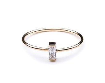 VERTICAL BAGUETTE ring / baguette diamond / baguette / gemstone baguette band / diamond baguette ring / baguette diamond band / birthstone