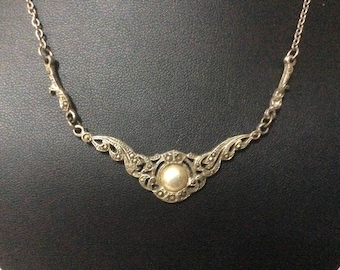 Vintage  1950's marcasite silver  pearl necklace