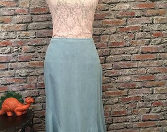 Vintage Cotton Chambray Fluted Hem Midi Skirt    Size 8