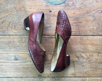 Vintage Oxblood Leather Heels | US 7 | Minimalist Fashion | 1990's