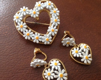 Vintage Daisy heart & earring set