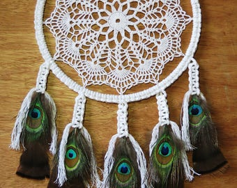 Handmade Crochet Dreamcatcher with natural feathers - Attrape rêve crochet fait main avec plumes naturelles