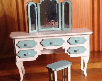 1/24, dolls house, painted dressing table and stool.