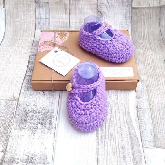 Lilac booties shoes crocheted booties mary jane shoes purple  0-3 newborn gift set UK baby booties gift boxed baby shower gift