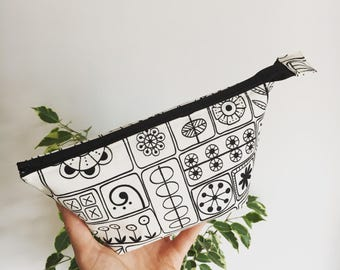 Monochrome Black & White Flower Cosmetic Make-up Bag / Pencil Case / Pouch