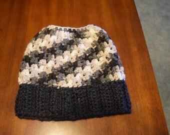 Messy Bun Beanie/ Ponytail Hat