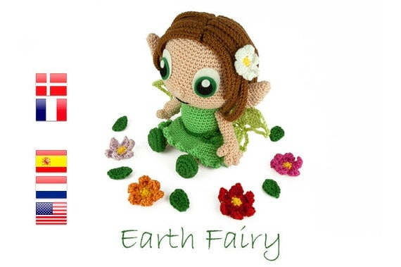 With this pattern you can crochet Emily the Earth Fairy. The doll will be about 14 cm tall.