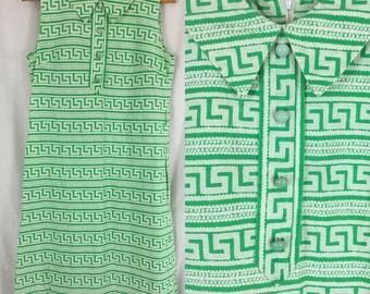 Classic 60's Geo Print Green Sleeveless Shift Dress / Vintage 1960's Peter Pan Collar Dress with Pockets