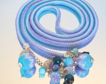 Blue lariat necklace / Crochet jewelry / Bicolor necklace / Beaded long necklace