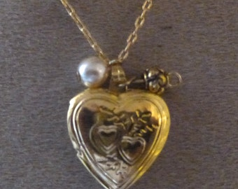Necklace Heart Locket cassolette photo