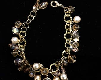 Beautiful Gold Chain Bracelet with Crystals and Freshwater Pearls.