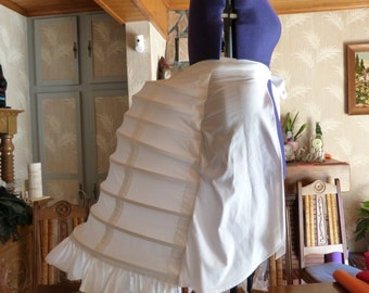 Lobster tail, Crinoline, bustle for dress to turn steampunk/victiorien