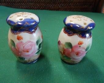 Great Vintage NIPPON Handpainted SALT & PEPPER Shakers