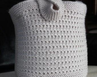 Alder Bag - A knitting pattern for an Aran/Worsted weight bag.