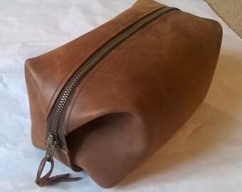 Man's Leather Washbag / Utensil Bag. The Ryan.