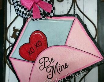 Valentines Day Door Decoration, Burlap Door hanger, Party Decoration