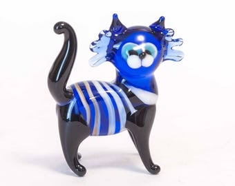 Blown Glass Cat Collectible  Figurine (code 026)